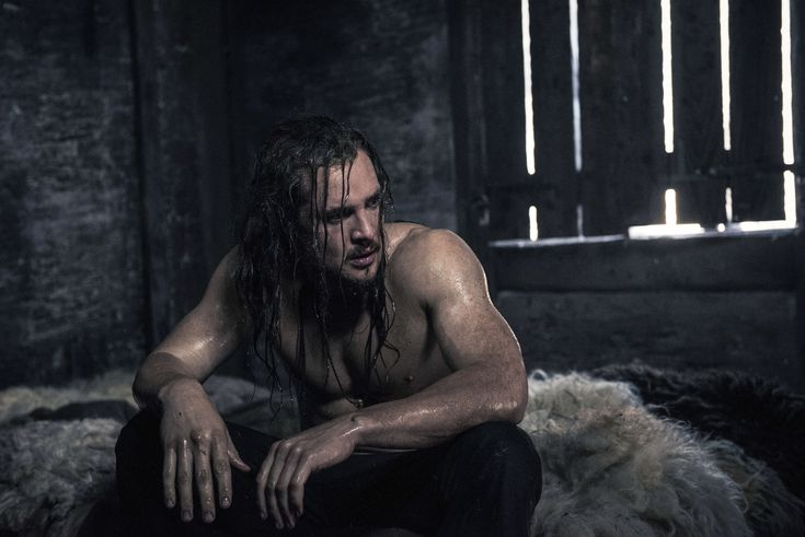 "Alexander Dreymon as Uhtred of Bebbanburg in ""The Last Kingdom"" Season 2 From http://www.farfarawaysite.com/section/lastkingdom/gallery2/gallery1/gallery.htm"