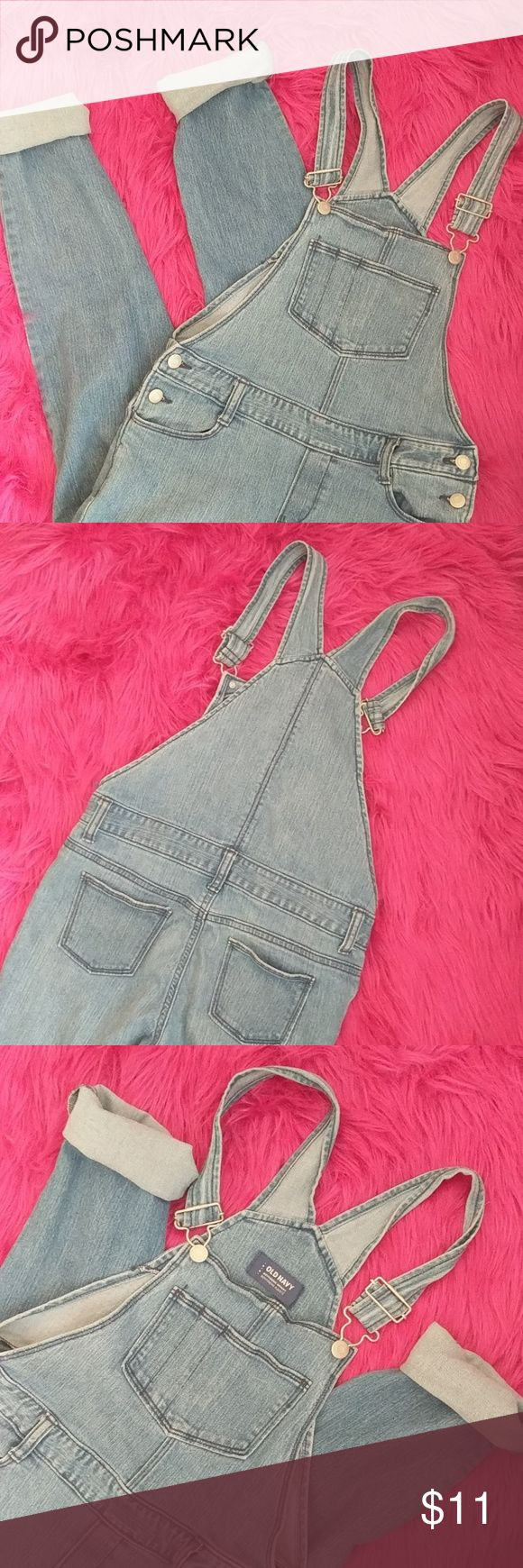 "Old Navy DENIM overalls size 0 Bought these 2nd hand, without trying them on. Rookie mistake. Tag says ""large."" Im assuming they were meant for a child ?? oopsie!    Youth large, but they fit as a 0-2 in women's.  Would look great with some patches! Old Navy Jeans Boyfriend"