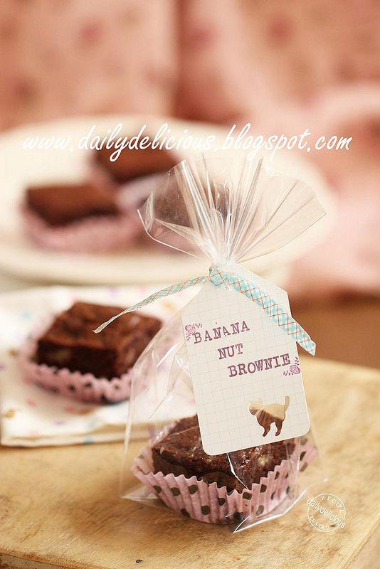 Banana Nut Brownies In 2020 Bake Sale Packaging Dessert