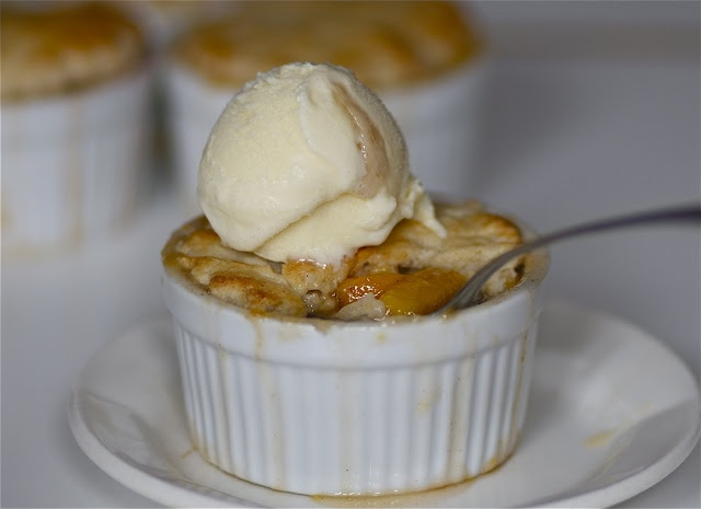 BOURBON PEACH COBBLER. LORD HAVE MERCY.....JUST LET ME HAVE IT NOW:) YUMMMMM.