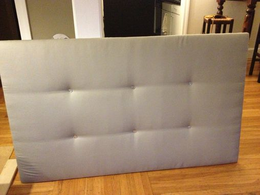 DIY headboard... Could do this in the guest room!