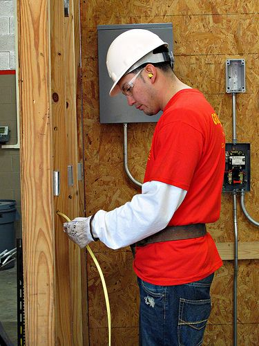How to Get an Electrical Contractors License in FL   http://activatemylicense.com/how-to-get-electrical-contractors-license-in-fl/