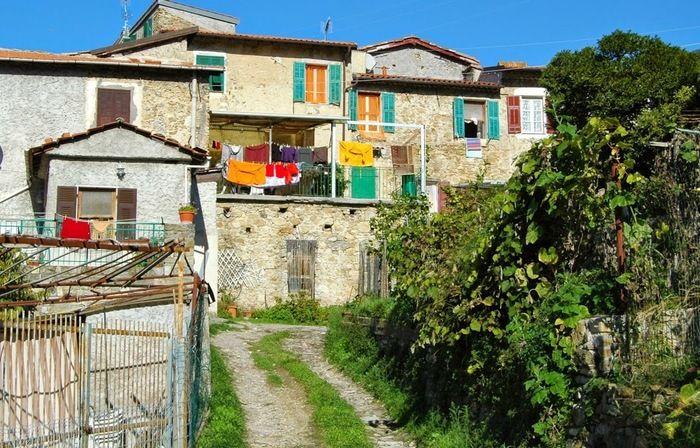 Vallecrosia (IM), centro storico di Vallecrosia Alta, part.