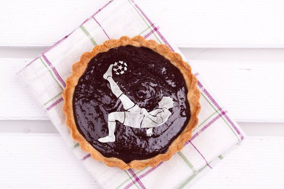 Soccer player Cake stencil cake- Round stencil for cake decoration. Serial number- R083.Football cakes design supplies