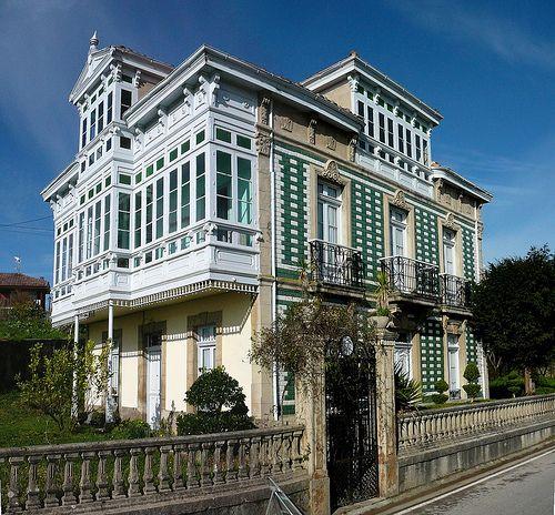 Casa de indianos en torazu asturias 1925 spain and villas - Casa de asturias madrid ...
