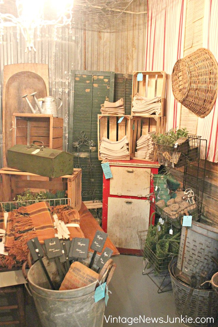845 best images about i love primitive colonial country rustic and old stuff on pinterest Home decorating ideas using junk