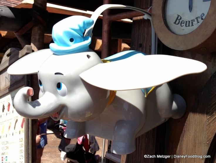 Dumbo Popcorn Container in flight - OMG These are so cute!!!