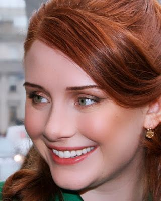 Both girls were born in March. But Bryce Dallas Howard is a Pisces and Jessica Chastain is an Aries. gurujay.com