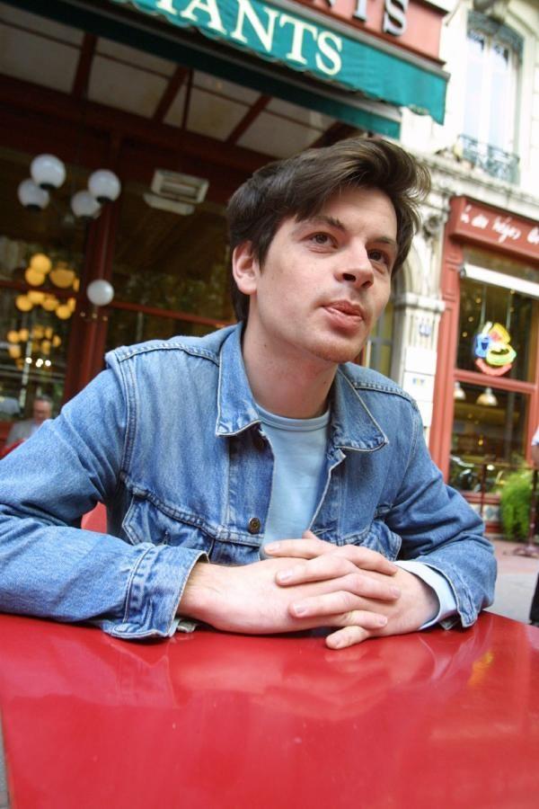Benjamin #Biolay le 12-01-2001 au Grand Café des Négociants (terrasse), 1 place Francisque-Régaud, Lyon 2e.