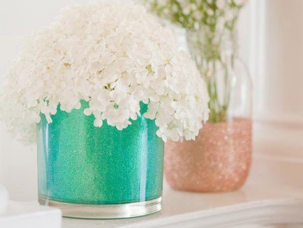 Potinhos de vidro decorados com glitter !