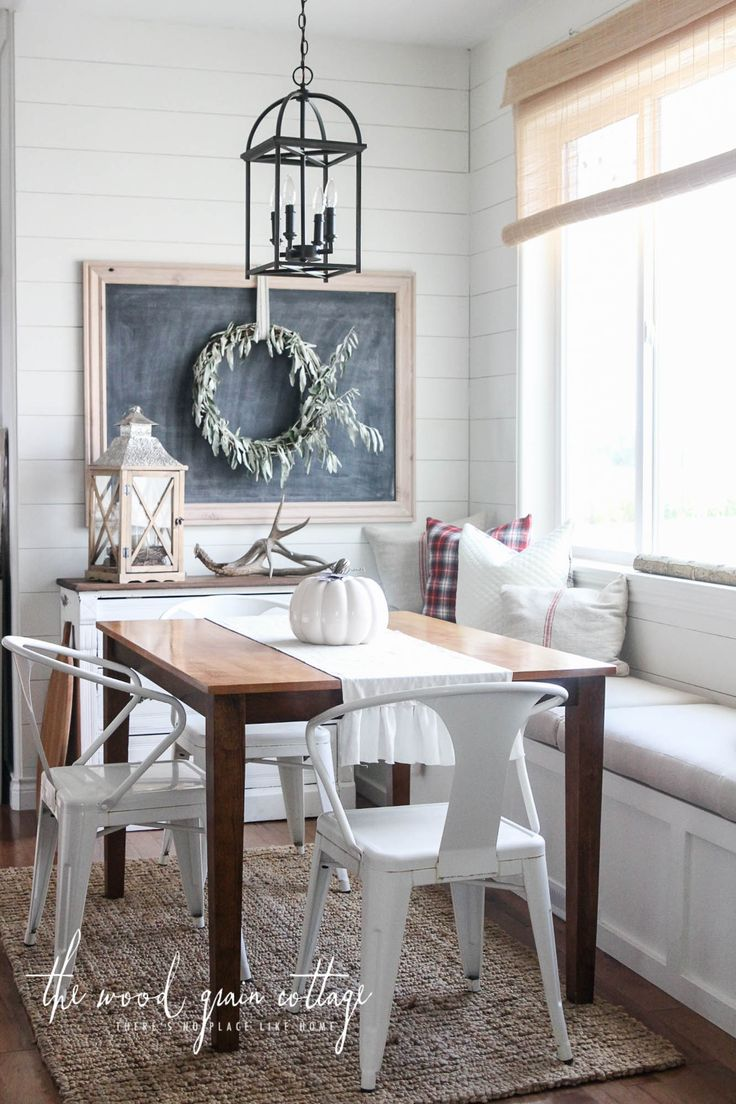 Fresh and Simple Fall Home Tour by The Wood Grain Cottage. Farmhouse decorating with a simple twist.