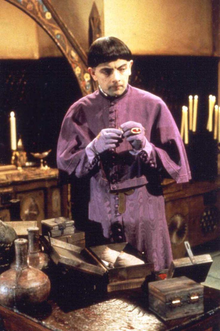 Rowan Atkinson as Prince Edmund Plantagenet in The Black Adder © BBC