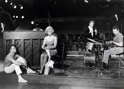 """Marilyn Monroe knitting on the set of """"Let's Make Love"""", 1960"""