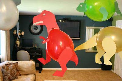 Algo que no debe faltar en una fiesta son los globos y normalmente lo único que hacemos es colgar un hilo y amarrarlos en grupos de 3 o 4. ...