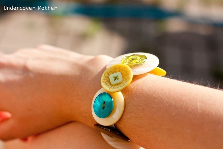 The button bracelet I made after being inspired by a pin from Lillyella blog