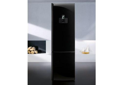 Due frigoriferi a confronto che aiutano a far fronte agli impegni frenetici di chi si divide tra casa e lavoro, con un tocco di divertimento in più. http://www.leonardo.tv/hi-tech/frigoriferi-hi-tech-in-cucina