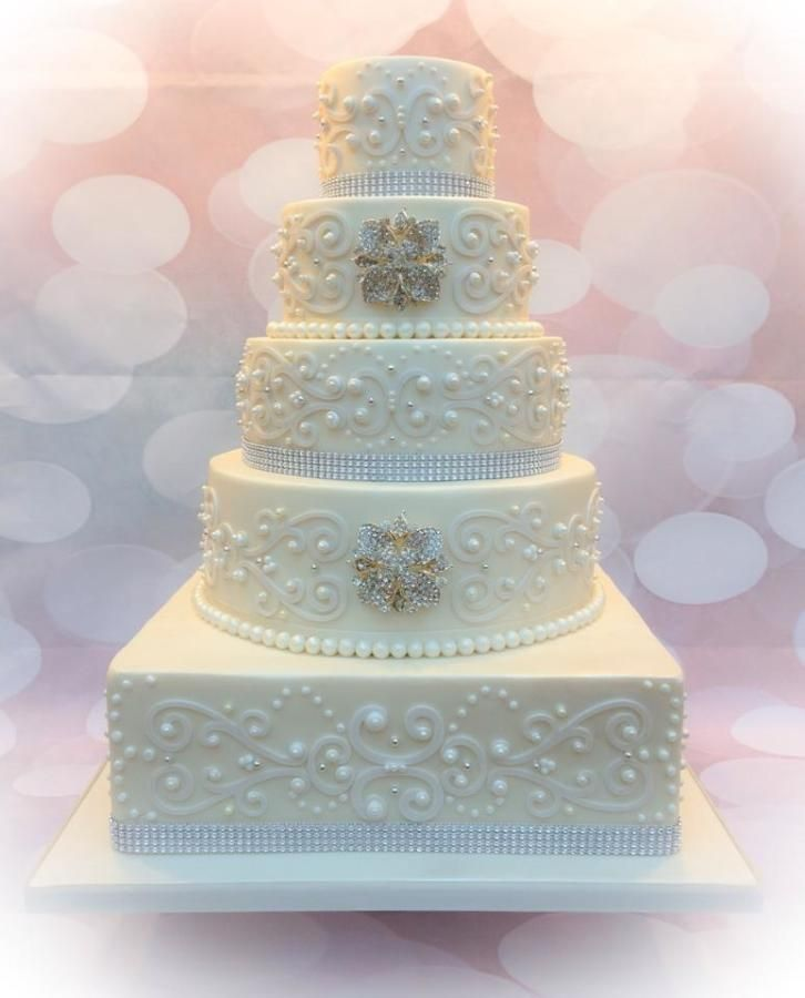 wedding cakes with diamonds and pearls best 25 pearl wedding cakes ideas on pearl 26019