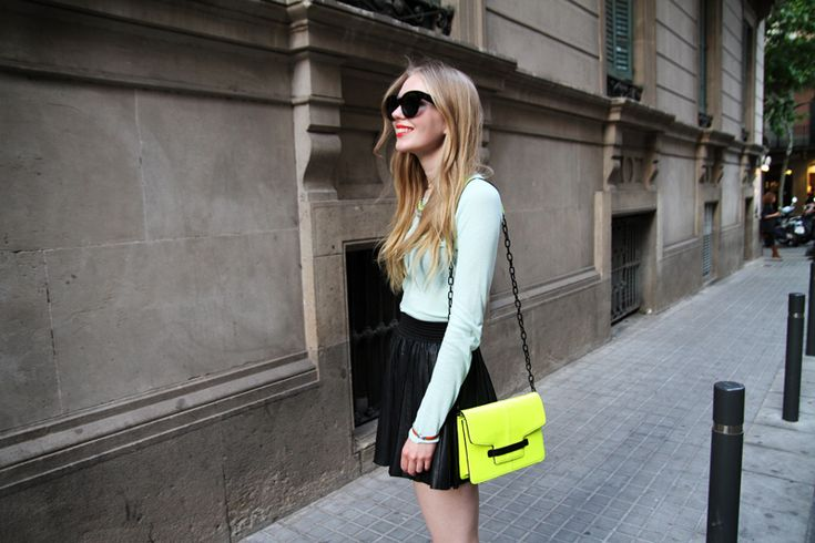 Neon loversMint Green, Neon Bags, Leather Skirts, Street Style, Outfit, Black Skirts, Fashion Inspiration, Summer Ideas