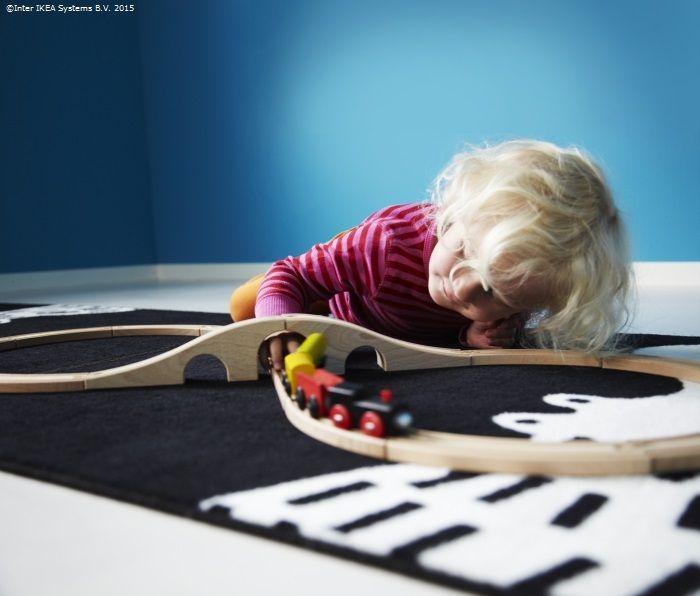 Mami, oare Moșu' merge și cu trenul câteodată?