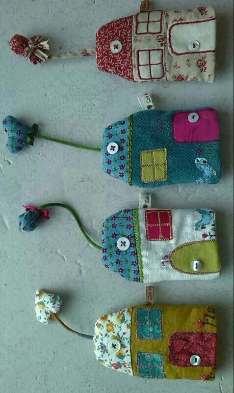 Casita guardallaves de patchwork