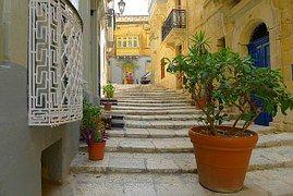 Callejón, Escaleras, Malta