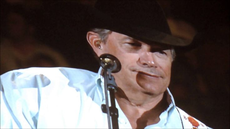 The Opening of The George Strait Concert in Denver 2014