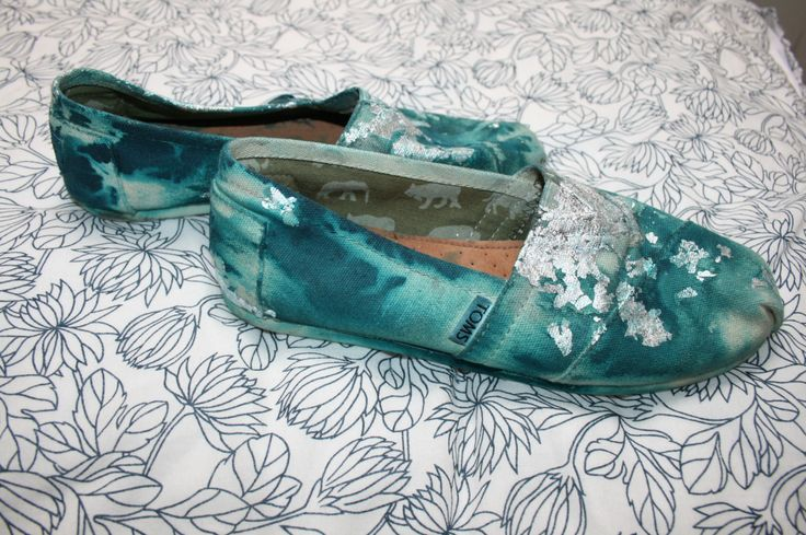 Toms Shoes Size 8 Gray Toms Shoes. Worn once. This brand doesnt give me enough support TOMS Shoes Flats Loafers