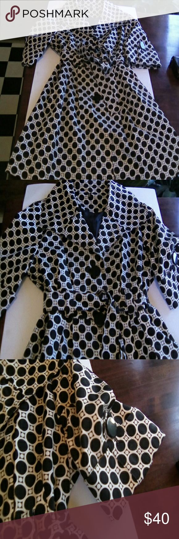 """AMBITION BLACK WHITE FULL COAT DRESS PM EXCELLENT CONDITIONS BUTTON FRONT LARGE BLACK BUTTONS LINED BELTED FULL PLEAT IN BACK LARGE COLLAR HAS THE 60's STYLE 3/4 SLEEVES COTTON BLEND SIZE PM BUST 38"""" WAIST  32"""" LENGTH 30"""" AMBITION Dresses"""