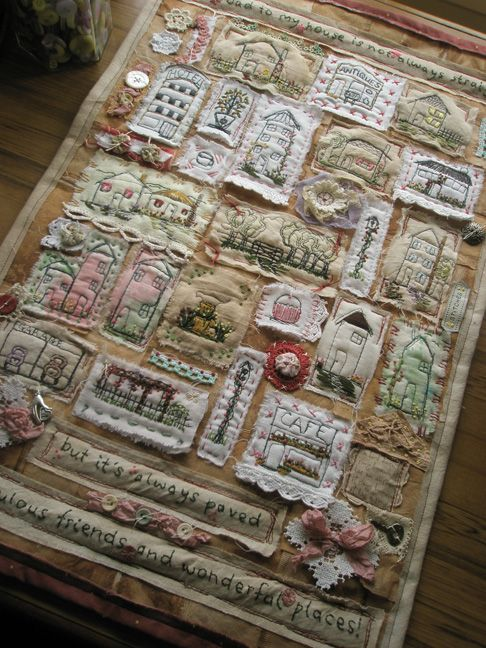 Wall Hanging 'The road to my house' - Free motion stitching and embroidery - Carole Brungar