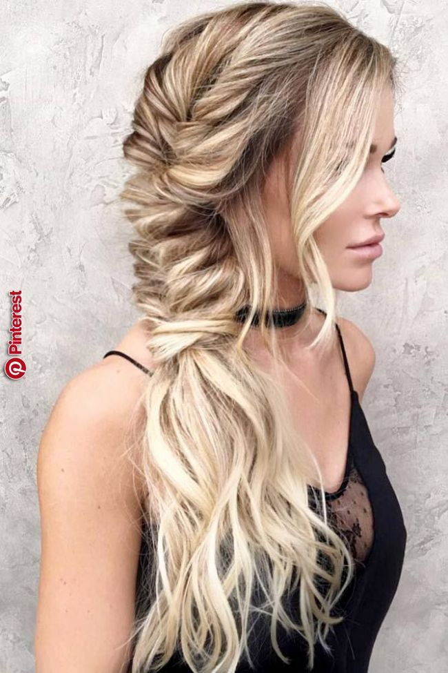 Best Hairstyle For High Cheekbones Best Hairstyle For High Cheekbones Women Hairstyles For Fine Hair Bohemian Hairstyles Hairstyle Medium Length Hair Styles