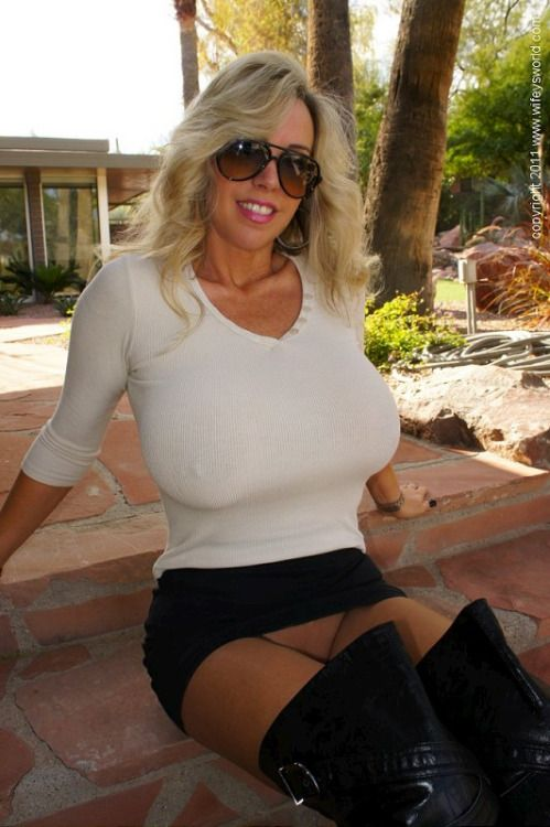 21 Best Milfs Sooths They Eyes Images On Pinterest  Woman, Boobs And Beautiful Women-5686
