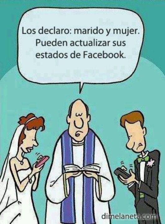 - Los declaro: marido y mujer. Pueden actualizar sus estados en Facebook