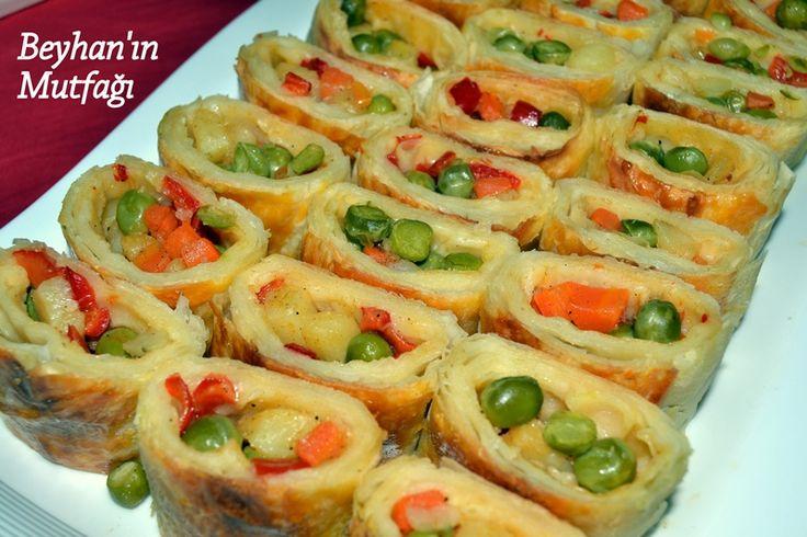 Renkli börek, değişik börek tarifleri, börek çeşitleri, akşam yemeği menüsü, çay sofrası yemekleri, farklı börekler, rulo börek çeşitleri, tavuklu börek