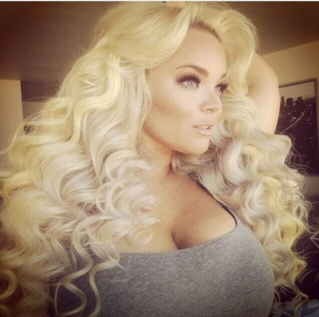 pinterest: @ itsmissydiana Curly blonde bombshell