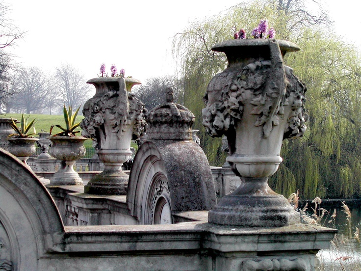 Kensington Gardens, London, UK, March 2003