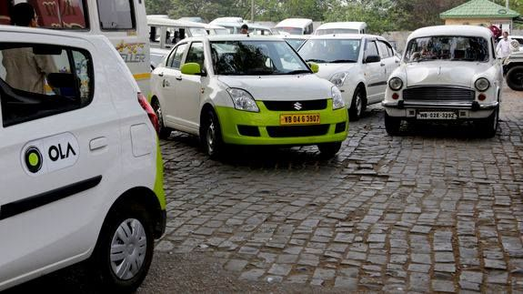 Uber Ola to offer rides to Indian government departments with no surge pricing Read more Technology News Here --> http://digitaltechnologynews.com  Uber and its Indian rival Ola could soon introduce unprecedented changes to lure government officials in India.  SEE ALSO: Taxi drivers hope to beat Uber with their own apps  Both the cab-ride hailing services have promised the government to offer cabs at a fixed monthly rate PTI reports. These cab tariffs wont be subjected to surge pricing…