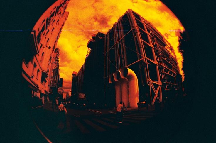 Pompidou, Fisheye Redscale.