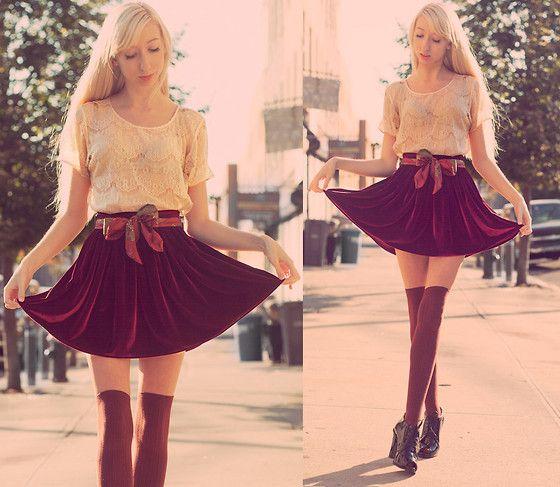 .: American Apparel, Fashion Style, Short Skirts, Ballerina Beautiful, Velvet Skirt, Apparel Velvet, Blog, Accessories, Ahhh Mazing Fashion