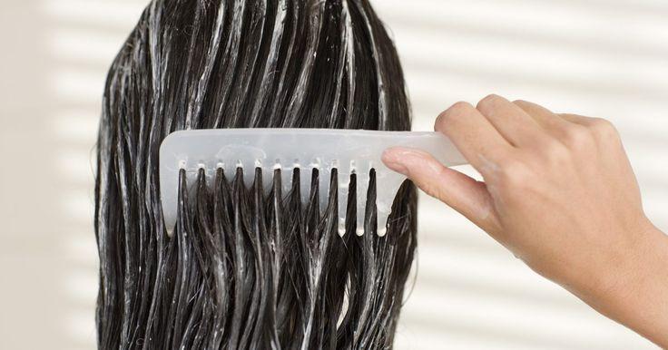 Cómo usar el tratamiento de mayonesa para el cabello . Cuando llega el momento de acondicionar profundamente tu cabello, guarda tu dinero y utiliza un tratamiento para el cabello con mayonesa. Los costosos tratamientos de aceite para el pelo disponibles en los salones y tiendas harán que tu cabello quede brillante y saludable, pero también dejará tus finanzas enredadas y feas. Obtén los mismos ...