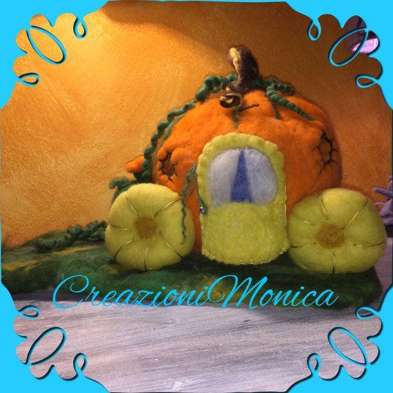 This is the Cinderella carriage a pumpkin in di CreazioniMonica