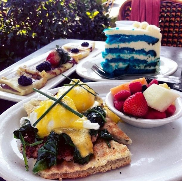 10 Spots For The Best Brunch In Los Angeles Every Angeleno Ought Lake Of Silver Dreams Surrounding Hoods Feliz Echo Park