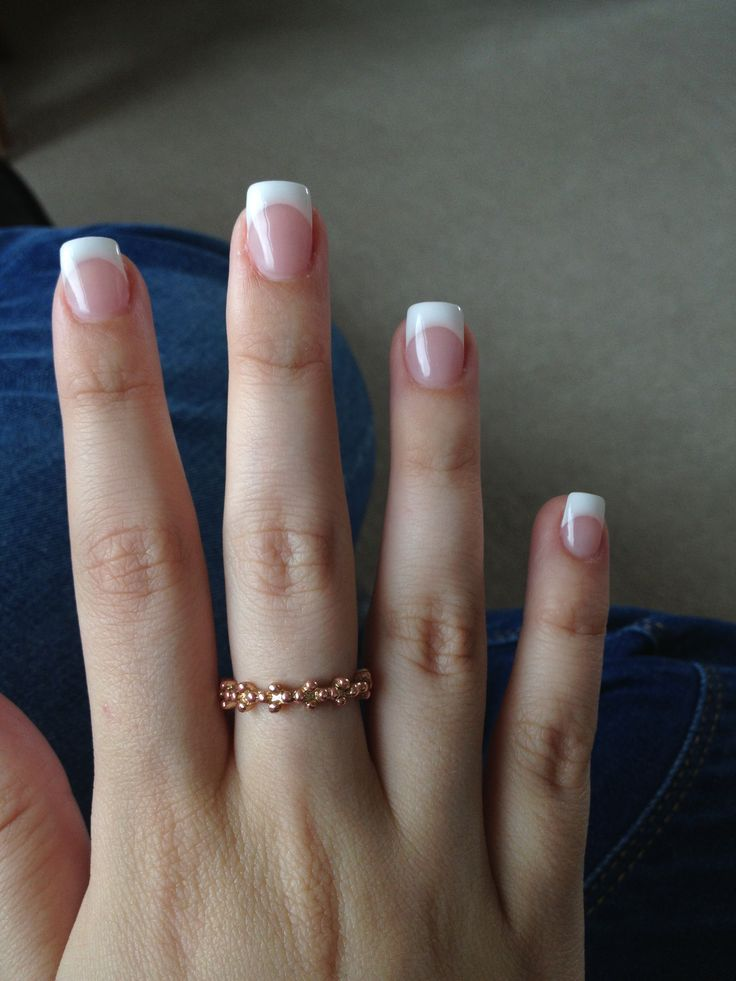 holiday nails - acrylic white