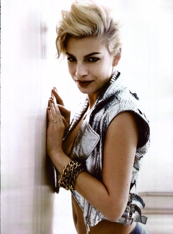 Shiny Python- Emma Marrone, Italian singer, wearing a Shiny Python from Blumarine