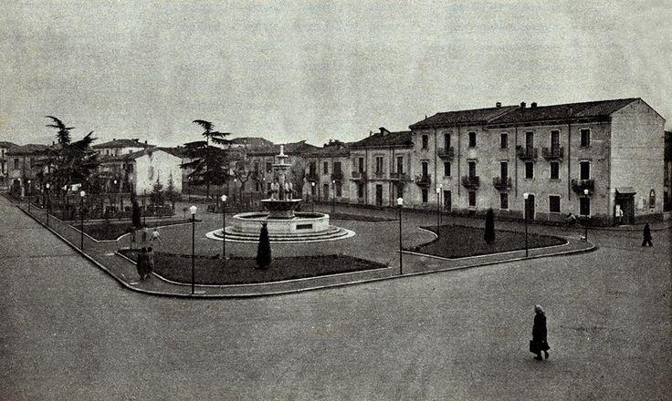 Piazzale L. Vinco di B. Venezia - anni '50 http://www.veronavintage.it/verona-antica/immagini-storiche-verona/piazzale-l-vinco-di-b-venezia-anni-50