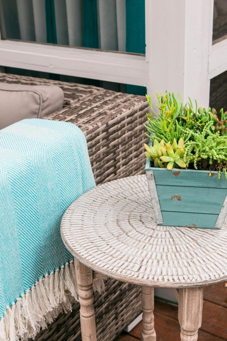 It's time to come out of winter hibernation! HGTV.com has 12 quick and easy ways to make your outdoor space more comfortable and inviting for warm-weather entertaining.