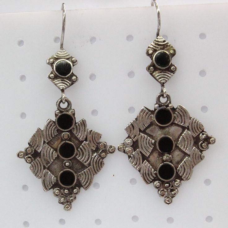 Onyx zilveren oorbellen - zilveren sieraden - Turkmeense oorbellen - 925 Sterling zilveren oorbellen - etnische Tribal handgemaakte zilveren oorbellen # SE25 door BukharaTreasures op Etsy https://www.etsy.com/nl/listing/267058922/onyx-zilveren-oorbellen-zilveren