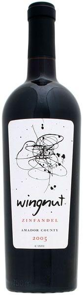 Wingnut wine package. Una copa de vino tinto, no cae mal, para alentar a la felicidad.