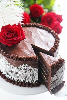 Rakastatko suklaata ja piparia? Nappaa ohje pipari-suklaakakkuun ja leivo jouluksi!
