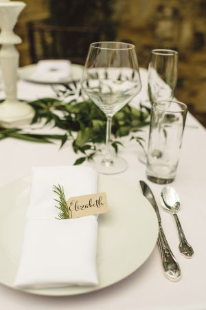 Natural Wedding Place Setting | photography by http://spindlephotography.com