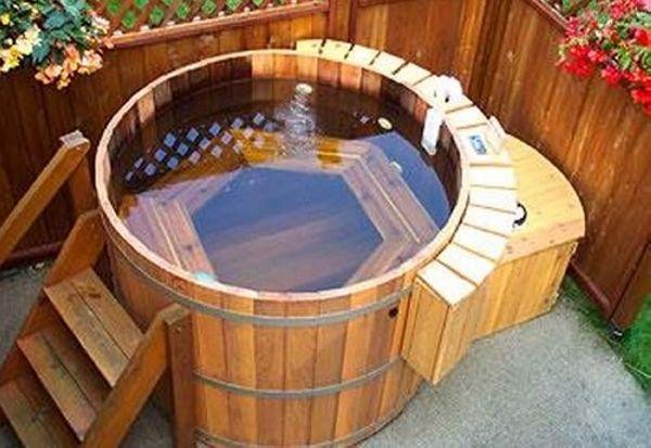 Pallet-Cedar-Hot-Tub.jpg (600×413)